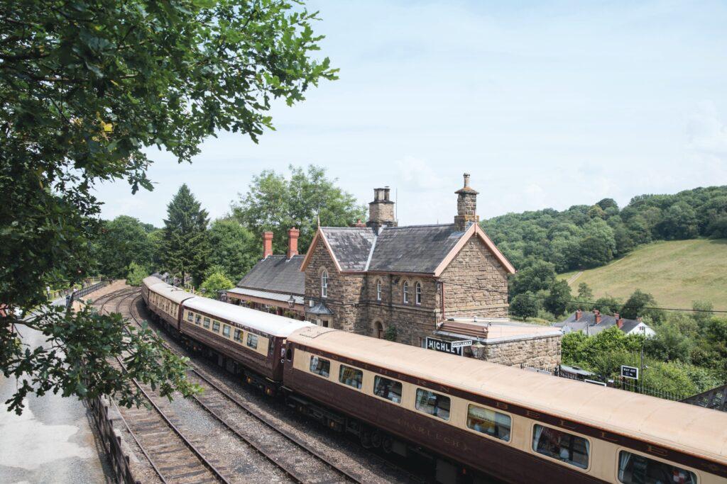 Northern Belle, steam train, afternoon tea