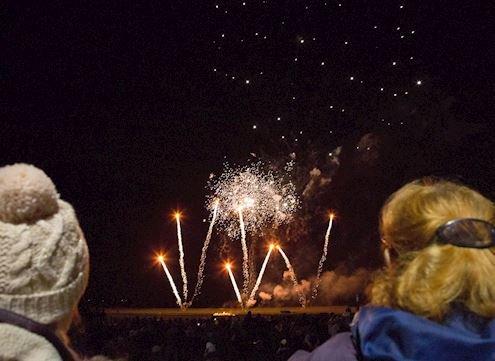 Warwick Rotary Club, fireworks, BONDfire Night