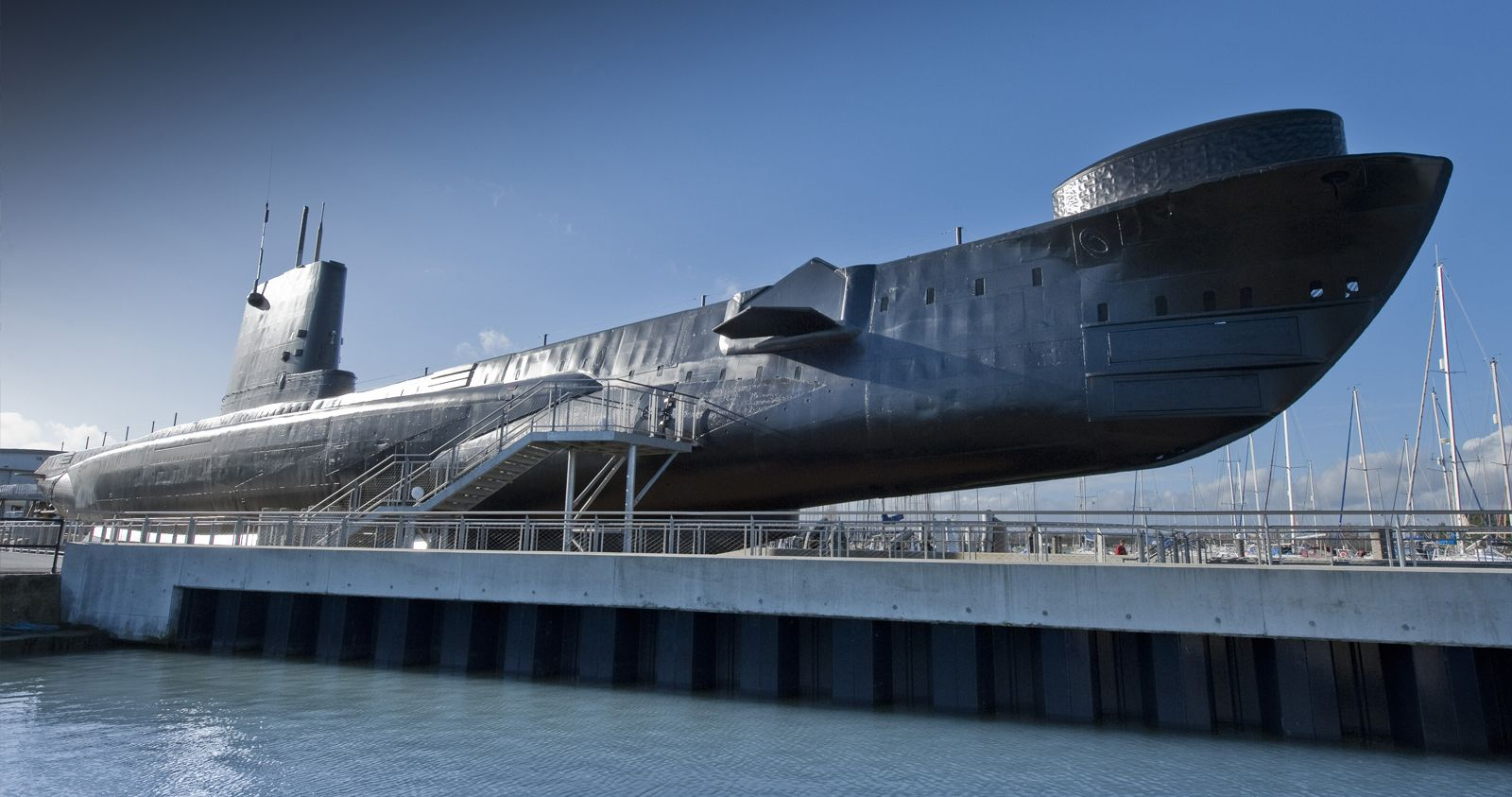 https://www.historicdockyard.co.uk/site-attractions/off-site-attractions/royal-navy-submarine-museum